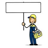 Weiblicher Postbote hält leeres Schild für Botschaft - 233511716