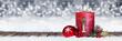 Leinwanddruck Bild - Erster Advent schnee panorama Kerze mit Zahl dekoriert weihnachten Aventszeit holz hintergrund lichter bokeh / first sunday advent