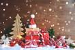Leinwanddruck Bild - Weihnachtskarte - Geschenke im Schnee rot