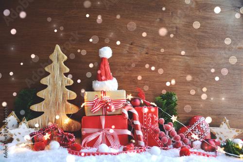 Leinwanddruck Bild Weihnachtskarte - Geschenke im Schnee rot