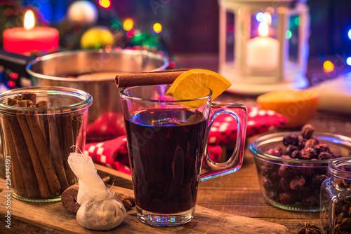 Leinwanddruck Bild Mulled wine , Christmas festive warming drink