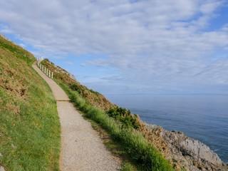 Cliff and sea © Mohiudin