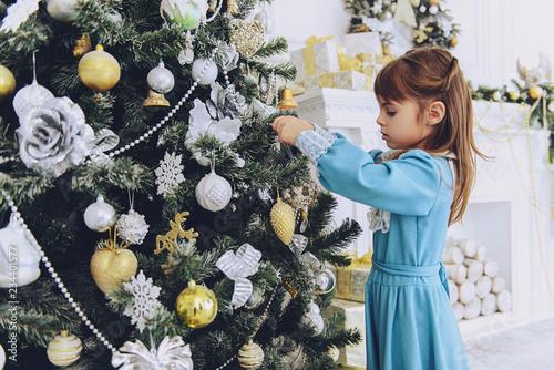 Leinwandbild Motiv girl at christmas three