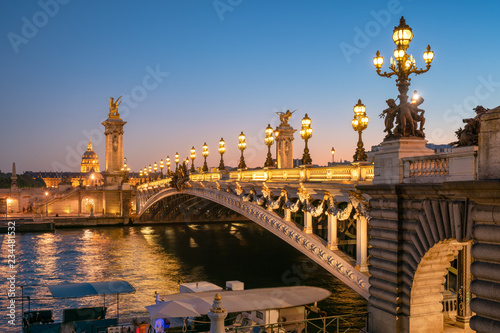 Fototapeta Pont Alexandre III in Paris, Frankreich