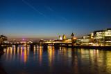 Skyline von London in der blauen Stunde