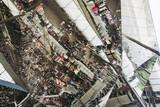 Marché aux puces Els Encants à Barcelone, plafond en miroirs - 234528929