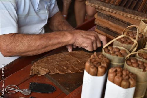 fototapeta na ścianę how to make a cuban cigar