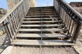 лестница в старом городском парке