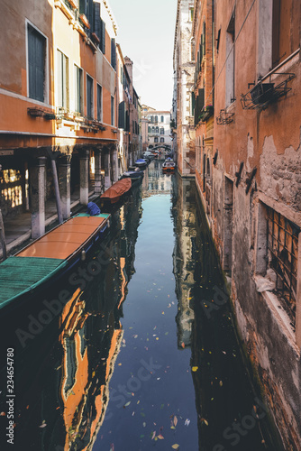 fototapeta na ścianę The lonely canal