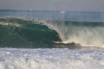 surfeur dans un tube © Mathieu