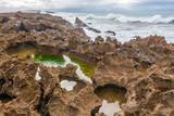 Côte rocheuse au nord du Maroc