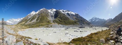 See mit Eisschollen im Wasser - 235167108