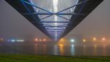 Oświetlony most w nocy we mble © Michal45