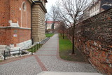 Alley near a church in Krakow, Kazimierz © Petru