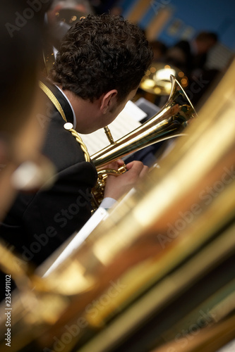 TUBA PLAYER IN BRASS BAND - 235491102