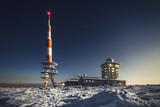 Brocken im Harz (Berg mit Schnee - Nachtaufnahme  - Winter)