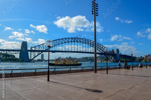fototapeta na ścianę Sydney Harbor Bridge and boardwalk