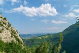 Panorama dal sentiero nella valle dell'Ambro