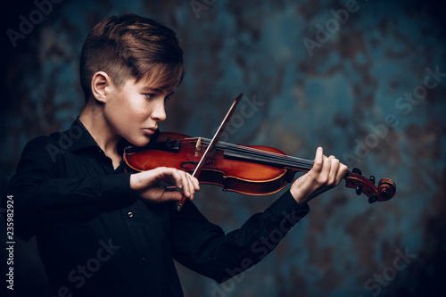 playing the violin - 235982924