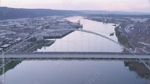 Fototapeta Portland Oregon aerial view of Willamette city bridge