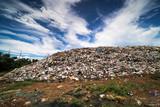 Deponie in der Natur - 236067101