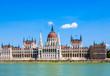Leinwanddruck Bild -  Hungarian parliament in Budapest