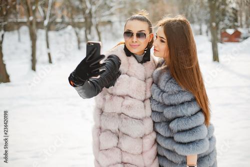 Leinwandbild Motiv lyxury girls