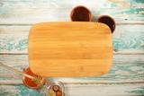 чай мёд и другие продукты питания стоят на столе  - 236453151