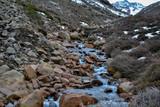 Rio entre las piedras - 236468164