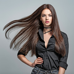 Young woman with long straight hair © Valua Vitaly