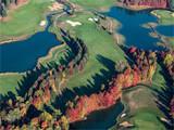 vue aérienne du golf de Nantilly à l'automne dans le département de l'Eure en France