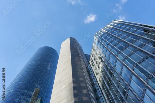 Nowoczesne wieżowce we Frankfurcie nad Menem