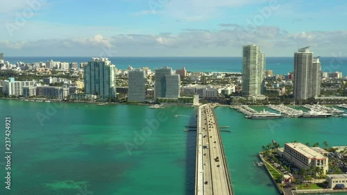 Obraz na płótnie Aerial bridge to Miami Beach