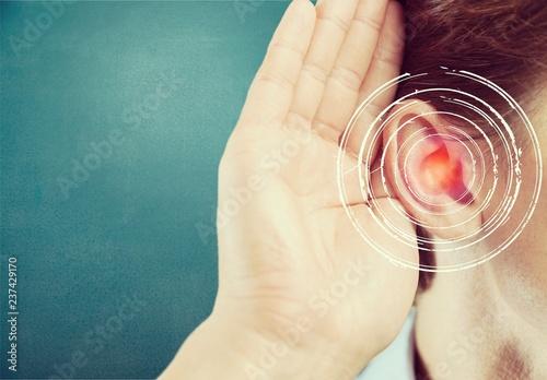 Leinwanddruck Bild Hearing.