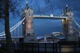 london towerbridge am abend