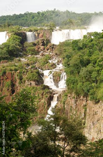 Iguazu Wasserfälle - 237436524