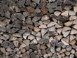 Brennholz gestapelt - Hintergrund  - 237438936