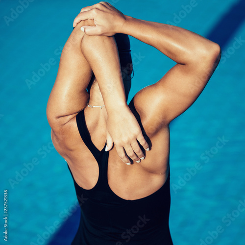 Warming up for swimming - 237521336