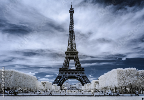 Eiffelturm - 237525530