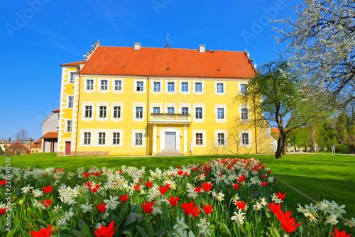 canvas print picture Luebben Schloss - Luebben castle in spring