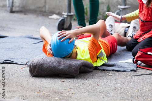 Foto Murales First aid after workplace accident