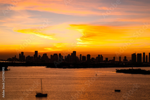 fototapeta na ścianę Miami, Downtown Skyline at sunset HDR