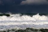 шторм и ветер на Средиземном море на севере Израиля         - 237970192