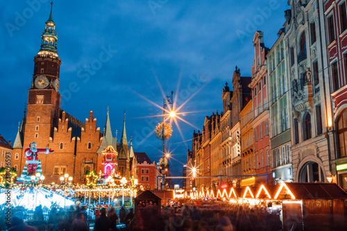 obraz lub plakat Christmas night market place in Wroclaw, Poland