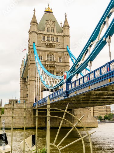 Obraz na płótnie Tower Bridge, iconic victorian bridge through the Thames River