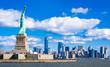 ニューヨーク 自由の女神とマンハッタンの摩天楼