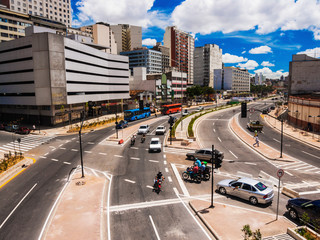 traffic in avenue in the city of Belo Horizonte Brazil with several buildings around © Edson