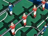 Tischkicker - traditionelles Fussball Kickerspiel