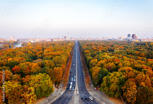 Aerial panoramic view of Berlin Tiergarten and skyline in autumn © Nicole Kwiatkowski