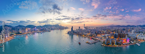 Leinwanddruck Bild Sunset of Victoria Harbour, Hong Kong